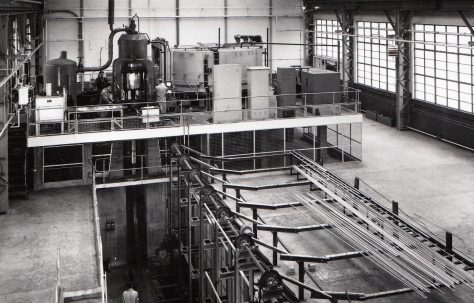 1000 ton 'Serck' type Vertical Extrusion Press Plant, with vertical Transfer Gear and Air/Water Accumulator and H3 Pumps, O/No. 58270, c.1959