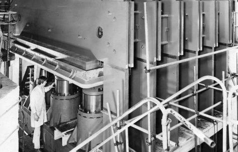 5575 ton (6250 US ton) Single Daylight Platen Press, O/No. L73490, c.1969