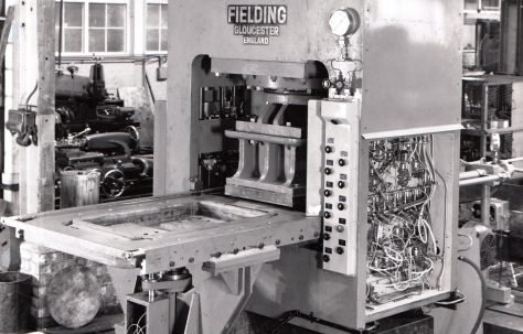 400 ton Single-Mould Slab Press with Air Controls for Cyclic Operation, O/No. 62580, c.1962