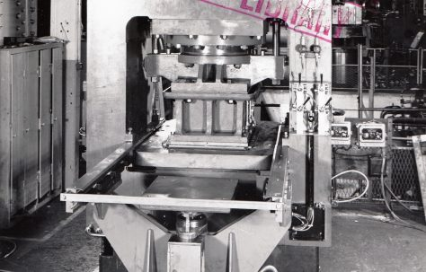 400 ton Single-Mould Slab Press, O/No. 64800, c.1964