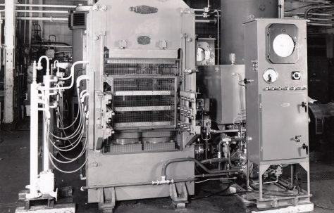 400 ton Platen Press, O/No. 66280, c.1966