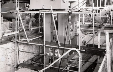 1000 ton Downstroking Wheel Contracting and Sizing Press under construction, O/No. 66210, c.1967