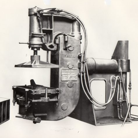 A Moulding machine designed in 1930    D7338/14/5/17/7008 (Ex 3096) | Gloucestershire Archives