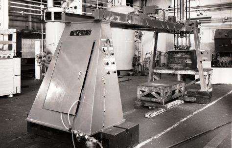 Automatic Vacuum Crane, used in conjunction with a Three-Mould Slab Press, O/No. 67300, c.1967