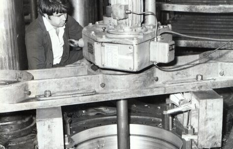 Portable machining equipment working on platen press cylinders, c.1970