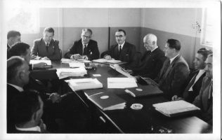 Arthur Williams with other Fielding employees, c.1949   T A Williams