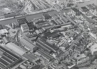 Aerial view of the Fielding and Platt site, 1970s, held at Gloucestershire Archives (reference D7338); click on the image to enlarge it