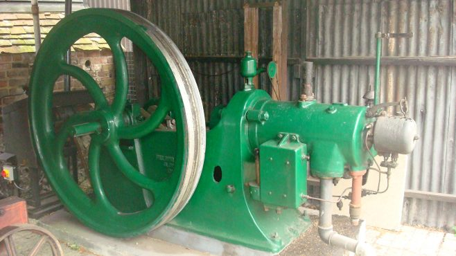 'Fielding' 20 BHP Paraffin Oil Engine | Kindly provided by David Ballantyne