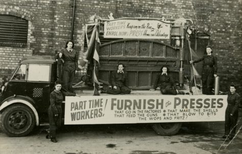 The Fielding float at Gloucester Carnival, 1942