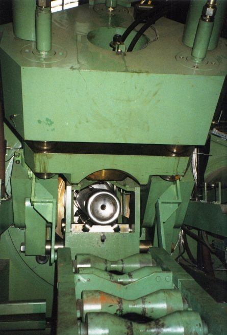 JB267  End of cylinder ollowi concaving operation | Supplied by John Bancroft
