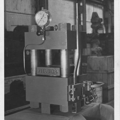 Platen press   Fielding & Platt