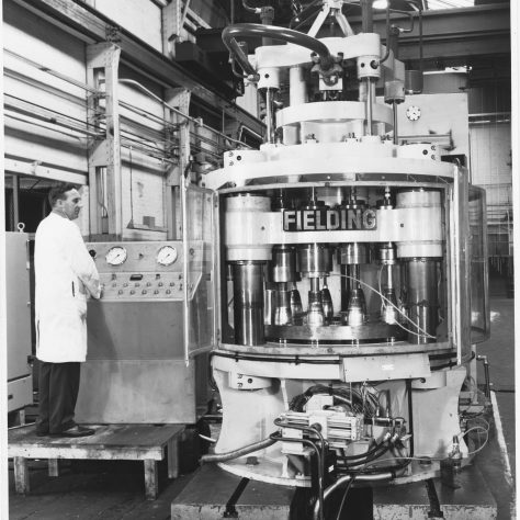 Soda Syphon Press Photo 6998   Fielding & Platt c.1967
